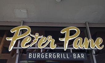 Peter Pane ist da, Hook Dogs kommt.