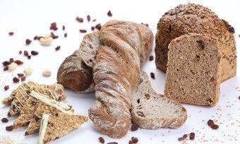 Gewinnerprodukte des Rezeptwettbewerbs 2016 (von links) Power-Müsli-Ecken, Walnuss-Rosinen-Krusti, Dinkel-Voll-Cool-Brot.
