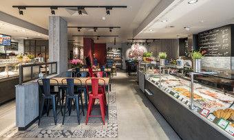 Der neue Flagship-Store in Darmstadt kombiniert den Vintage-Look mit modernen Elementen.