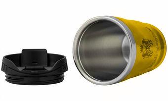 Hitzebeständig, auslauf- und bruchsicher sowie frei von BPA: das ist der neue Mehrwegbecher für Innungsbäcker.