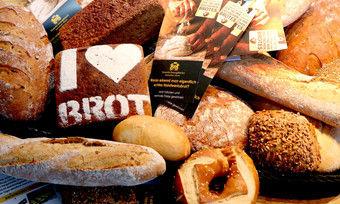Mit einem Quiz informieren am Tag des Deutschen Brotes die niedersächsischen Handwerksbäcker über die Unterschiede zwischen Industrie- und Handwerksbrot.