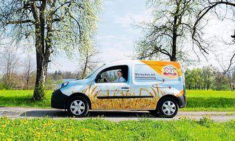 Die Großbäckerei Ölz produziert mit Maßnahmen wie Elektro-Autos weniger CO2.