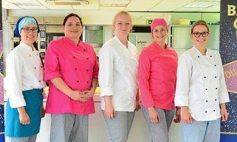 Haben beim Live-Backen ihr Können gezeigt (v. l.): Die Finalistinnen Charlotte Almus, Viktoria Nagli, Hannah Hoffmann, Linda Josten und Santa Stalnionyte.