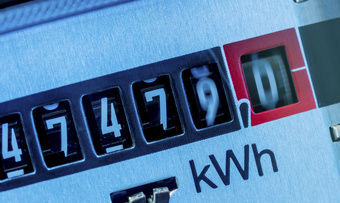 Im kommenden Jahr soll die EEG-Umlage die Stromkosten weniger belasten.
