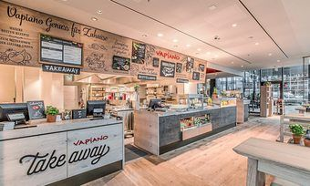 Vapiano stattet viele seiner Restaurants mit einer Take-Away- und Lieferservice-Theke aus.