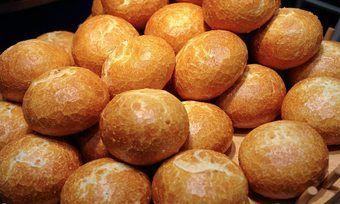 Die kontrollierte Großbäckerei stellt in erster Linie Rundbrötchen für Burgerketten her.