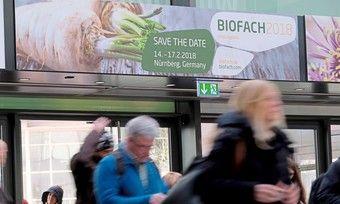 Bei der Biofach treffen sich Start-ups, Landwirte, Bäcker, Unternehmen und Interessierte der Branche.