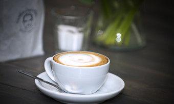 Der Cappuccino ist nach wie vor der Renner im Außer-Haus-Geschäft mit Kaffee.