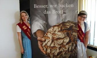Brezelkönigin Tatjana Moosmayer (links) und Brezelprinzessin Nicole Hiessl freuen sich darüber, das Bäckerhandwerk vertreten zu dürfen.