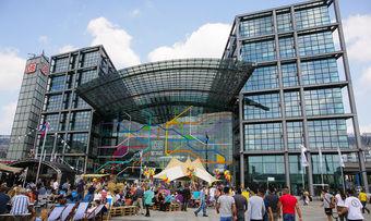 Der Berliner Hauptbahnhof, in dem im Oktober der neue Foodcourt eröffnet wird.