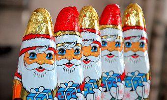 Schoko-Nikoläuse sind die beliebtesten Schokofiguren in der Weihnachtszeit.