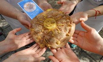 Aktionsprojekt im gesamten Donauraum: Dieses Brot soll für die völkerverständigende Kraft des Brotes stehen.