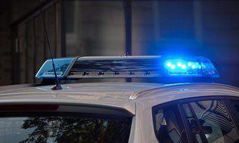 Mit einem Polizeieinsatz musste ein eingesperrter Lieferant aus einer Bäckerei befreit werden.