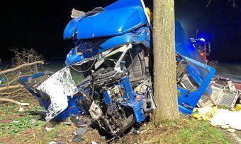 Die Einsatzkräfte konnten am Unfallort nur noch den Tod des Fahrers feststellen.