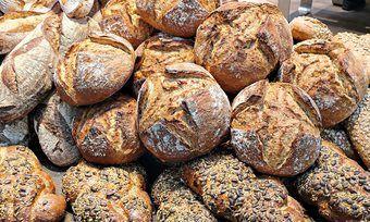 """Weniger """"Geiz ist geil""""-Mentalität auch bei Brot und Brötchen? Verbraucher geben mehr Geld für Lebensmittel aus."""
