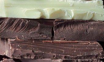Dunkle Schokolade bringt neben Genuss noch so manchen Zusatznutzen.