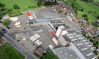 Die Produktion in Würselen und den beiden anderen Standorten läuft derzeit weiter.