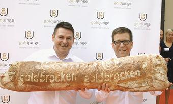 Es geht weiter: Die Geschäftsführer Markus Schöllmann (links) und Robin Schimpf und ihre verbleibenden Mitarbeiter können vorerst aufatmen.