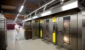 Die Bäckerei Bolten nutzt die Abwärme der neuen Öfen, um Wasser für Spülmaschine, Teigwasserbereitung und Sozialverbrauch zu erwärmen.