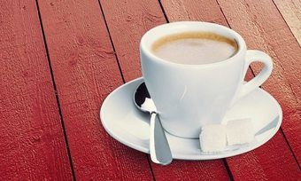 Am häufigsten genießen Verbraucher den Kaffee zu Hause und bewerten den dort getrunkenen Kaffee am besten.