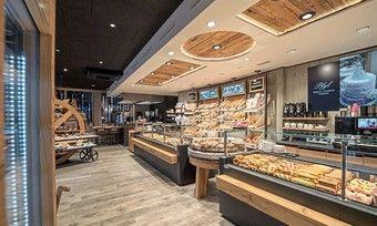 Beleuchtungskonzept in einer deutschen Bäckerei.