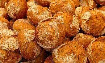 Brötchen werden bei Oebel weiter gebacken, aber in kleinerem Umfang.