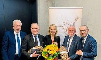 Bei der Festveranstaltung (v. l.): Gibfried Schenk, Gerd Sonnleitner, Catarina Zanner, Michael Wippler, Anton Blöth.