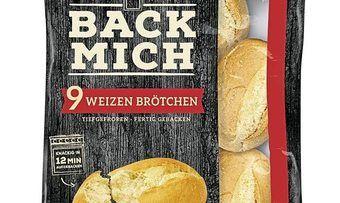 """Unter dem Gesamtlabel """"Back mich"""" gibt es neben halbgebackenen Brötchen auch fertiggebackene für die Tiefkühltruhen des LEH."""