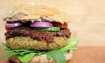 Vegane Burger stehen in der Kritik.