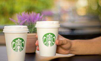 Kunden, die zum Einwegbecher greifen, müssen bei Starbucks ab sofort eine Gebühr von fünf Cent zahlen.