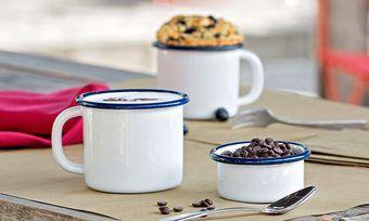 In der Bäckergastronomie ist auch die Tischdeko in mehr oder weniger aufwendiger Form ein Thema.