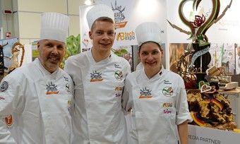 Die deutsche Bäcker-Nationalmannschaft ist Vize-Weltmeister (von links): Coach Siegfried Brenneis, Patrik Mittmann und Nicole Mittmann.