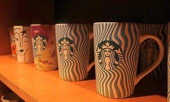 An Kunden verkaufte Mehrweg-Kaffeebecher werden von Starbucks derzeit nicht mehr befüllt.