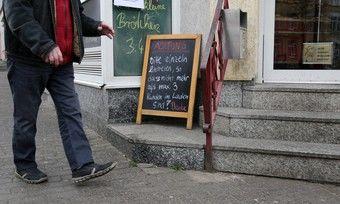 Viele Bäckereien fordern ihre Kunden bereits auf, einzeln einzutreten.
