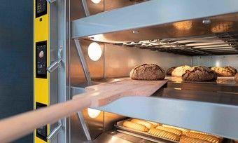 Effizient: Bei Teilbelegung lassen sich unterschiedliche Backwaren im gleichen Ofen backen.