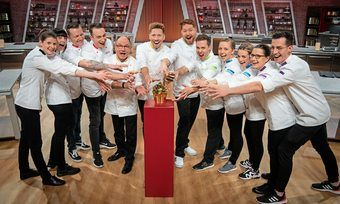 Alle Teilnehmer wollen den Goldenen Cupcake: (v.l.n.r.) Sibylle, Regina, Oliver, Roman, Joachim, Fabian, Michael L., Johannes, Emily, Leonie, Inga und Michael S.