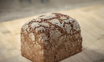 Beispiel für den Trend Biodiversität: Roggen-Vollkornbrot als Brot des Jahres 2020 kann bei verstärkter Nachfrage einen Beitrag zur Ausweitung der Fruchtfolge im Pflanzenbau leisten.
