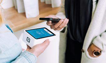 Analysten gehen davon aus, dass Verbraucher künftig häufiger ihr Smartphone zum Bezahlen zücken.