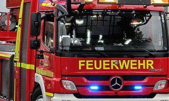 Die Feuerwehr musste das Gebäude einer Bäckerei löschen.