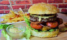Die Portionsgrößen von Burger und Co. sind in den letzten Jahren gewachsen.