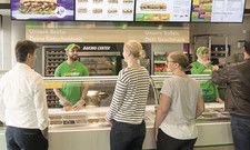 Subway profitiert in Deutschland auch von neuem Restaurant-Design und moderner Technik.