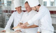 Die Zahl junger Menschen, die Bäcker werden wollen, ist weiter rückläufig.